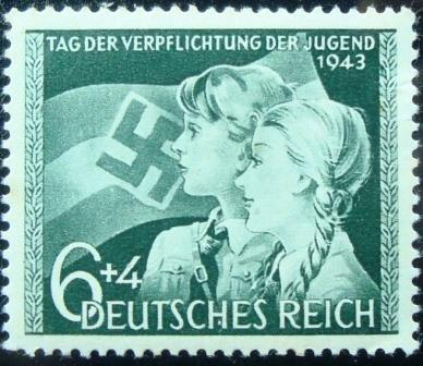 Selo postal da Alemanha Reich de 1943 Boy and girl in front of a flag