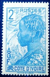 Selo postal da Costa do Marfim de 1936 Baoule woman 2c