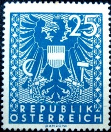 Selo postal da Áustria de 1945 New National Arms 25