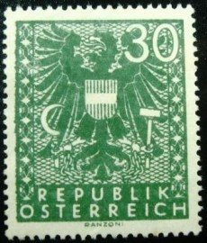 Selo postal da Áustria de 1945 New National Arms 30