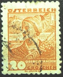 Selo postal da Áustria de 1934 Woman from Upper Austria