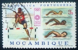 Selo postal de Moçambique Steeplechasing and Swimming 563 U