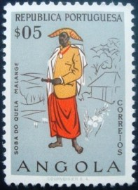 Selo postal de Angola de 1957 Chief of Quela 401 U