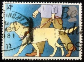Selo postal do Reino Unido de 1981 Blind Man with Guide Dog