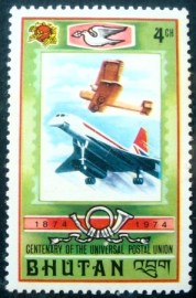 Selo postal do Buthan de 1974 Old Biplane and Jet