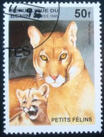 Selo postal do Benin de 1995 Cougar