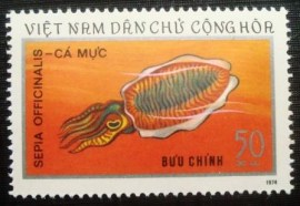 Selo postal do Vietnam de 1974 Common Cuttlefish